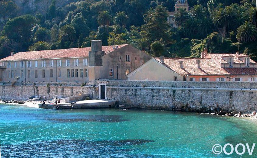 Villefranche sur mer c est une ville situ e dans le - Piscine de villefranche ...