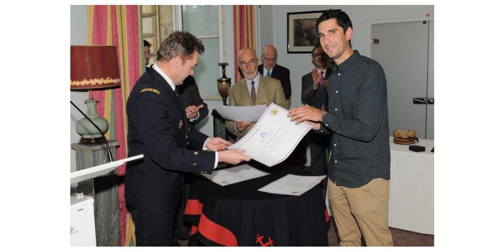 """Orens de Fommervault reçoit le prix """"Amiral Devaluy"""" à l'École militaire de Paris"""