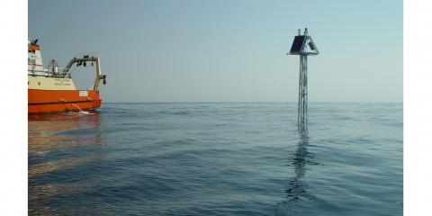BOUSSOLE : la bio-optique pour identifier les réponses des océans à leur environnement naturel et humain
