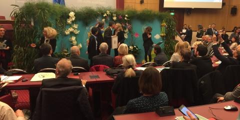Maria-Luiza Pedrotti reçoit le trophée Climat-Energie des Alpes-Maritimes